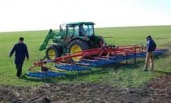 Micii fermieri vor putea face parte din coopertive agricole şi vor beneficia de scutiri de impozit