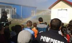 Elevii din Hîrlău vizitați de pompieri
