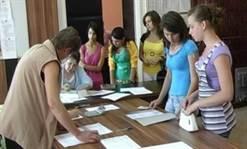 """Liceul """"M. Costin"""" – prima opțiune a absolvenților cu medii mari la Evaluarea Națională. Vezi mediile de admitere la liceele din Pașcani, Târgu Frumos și Hîrlău"""