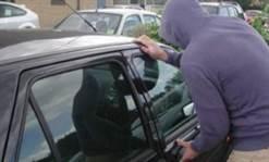 Hoți de mașini, la plimbare cu bunul furat